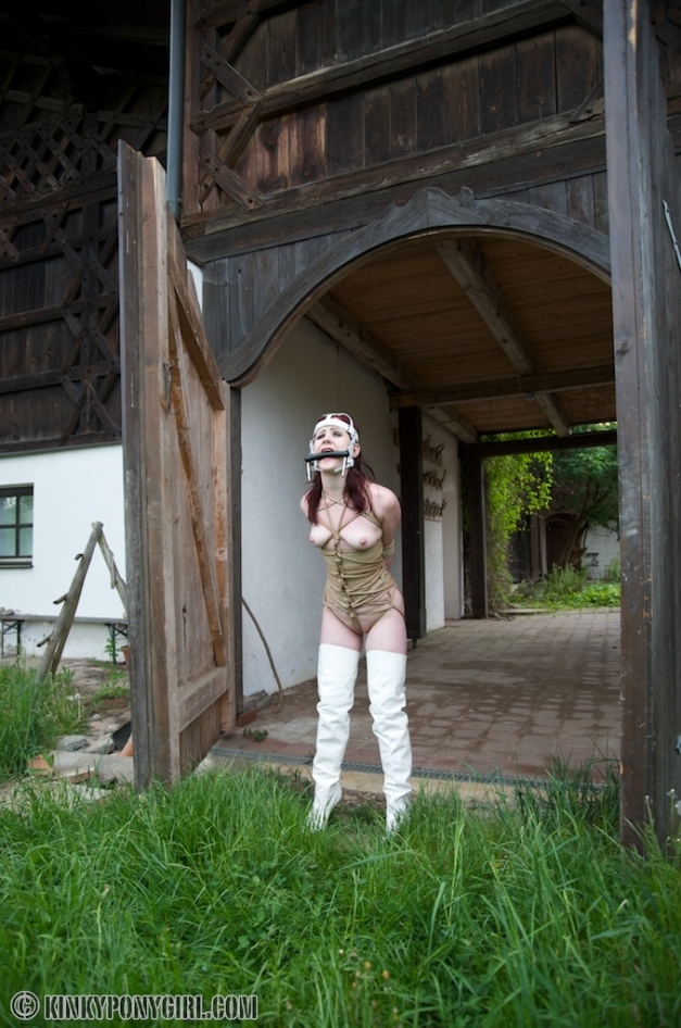 Janna Grace - Ponygirl in Ropes