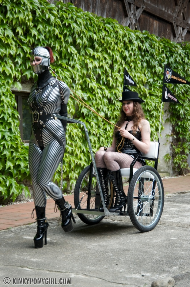 Anna Rose takes full control over ponygirl Janna